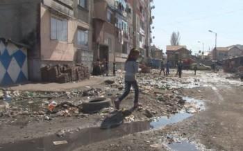 """Зико се зае с наводнените блокове в """"Столипиново"""""""