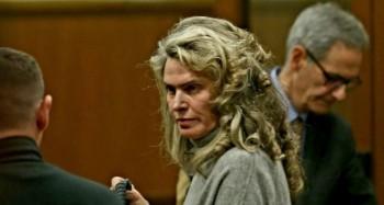 Вкараха жената на Божков в ареста