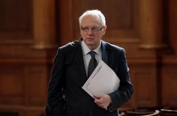 Пиар, обслужващ днес вицепрeмиер, поискал от депутат да предложи шеф на държавна банка, цената за услугата сам да си я каже
