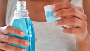 Вода за уста, содата и бонбони с етерично масло убиват коронавируса