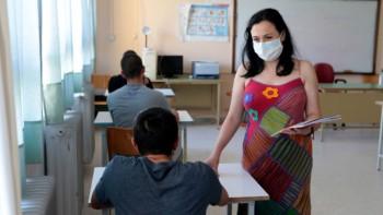 Защо родители в Гърция съдят учители