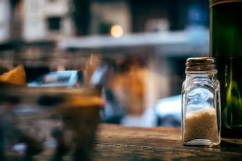 Защо не трябва да даваме сол назаем