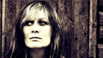 Вокалистка на британска метъл група сред убитите с лък в Норвегия